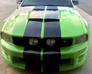 saleen s281 with wraps on front